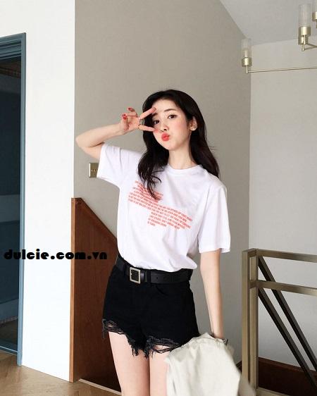 Kết hợp áo phông trắng với quần Jean (2)
