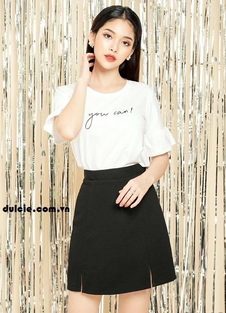 Áo phông trắng kết hợp chân váy chữ A công sở