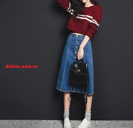 Mix chân váy Jean dài với áo len (2)