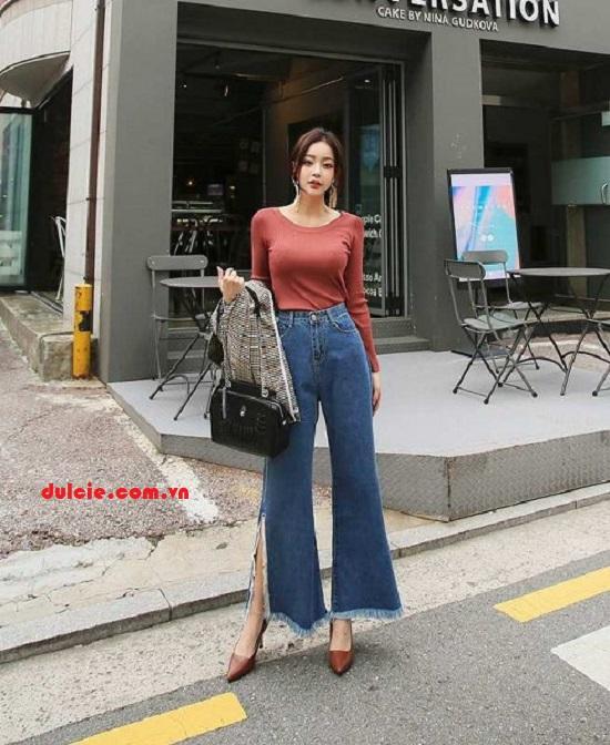 Mix quần Jean ống rộng và áo thun bó sát