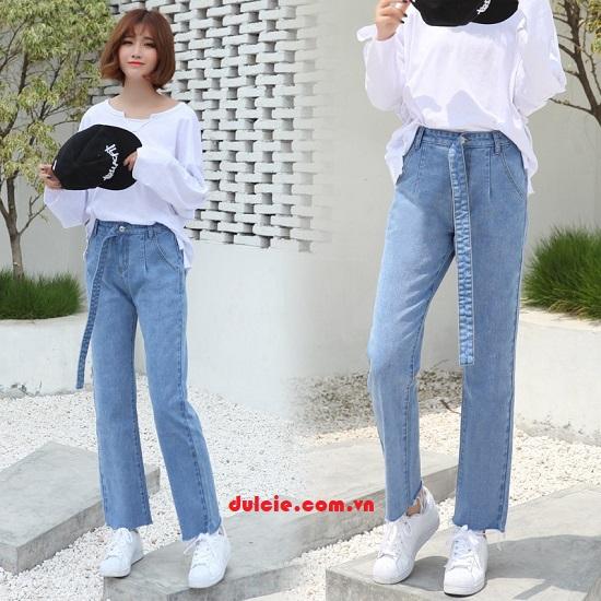 Quần Jean ống rộng mix áo sơ mi trắng kiểu cách