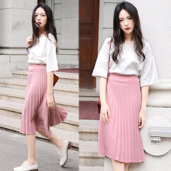 Cách phối đồ đẹp cho nữ áo thun cùng chân váy midi